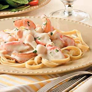 Alfredo Seafood Fettuccine Recipe