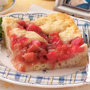 Old-Fashioned Rhubarb Pudding Cake