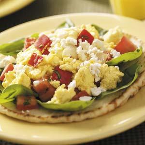 Mediterranean Breakfast Pitas Recipe