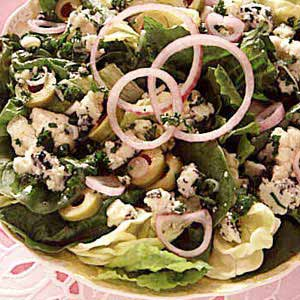 Mixed Greens with Blue Cheese Dressing Recipe