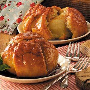Homemade Apple Dumplings with Caramel Sauce Recipe