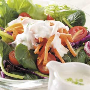 Creamy Garlic Salad Dressing Recipe