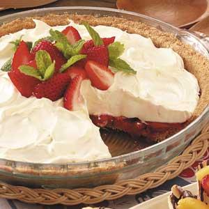 No-Bake Strawberry Cheesecake Pie Recipe