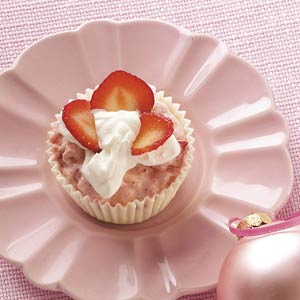 Strawberry Mousse in White Chocolate Cups Recipe