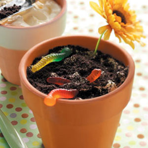 How To Make Dirt And Worms Cake