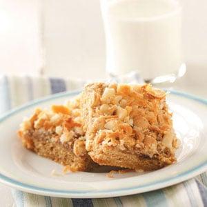 Macadamia Toffee Snack Cake Recipe