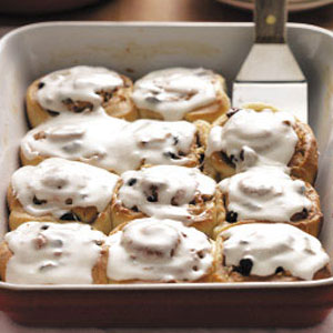 Pecan-Raisin Cinnamon Rolls Recipe