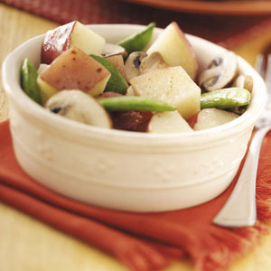 Potatoes with Mushrooms 'n' Peas Recipe