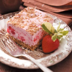 Frozen Strawberry Shortbread Dessert Recipe