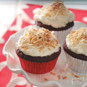 frosting ideas for red velvet cupcakes