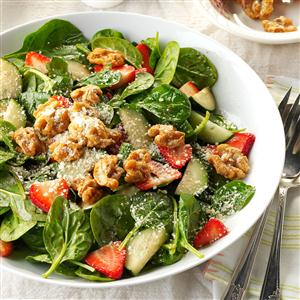 Strawberry Spinach Salad with Candied Walnuts Recipe
