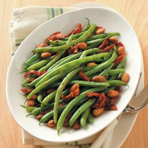 Green Beans with Sun-Dried Tomatoes and Almonds Recipe