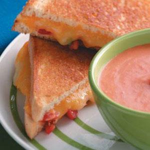 Grilled Tomato-Cheese Sandwiches Recipe