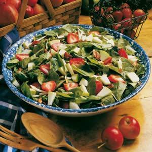 Apple-Strawberry Spinach Salad Recipe
