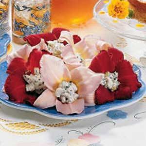 Lemon Balm Stuffed Daylilies Salad Recipe