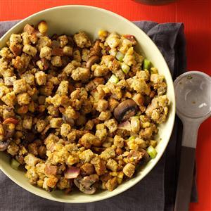 Slow Cooker Bacon-Mushroom Dressing Recipe