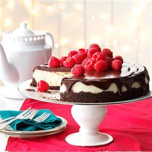 Vanilla Bean Cheesecake with Chocolate Ganache