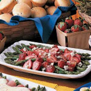 Asparagus Strawberry Salad