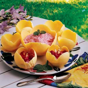 Fluff-Filled Flower Cups Recipe
