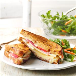 Apple-White Cheddar Grilled Cheese Recipe