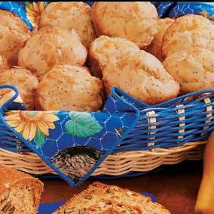 Poppy Cheddar Muffins Recipe