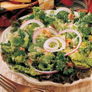 Green Salad with Onion Dressing Recipe