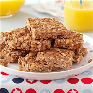 Chocolate-Peanut Granola Bars Recipe
