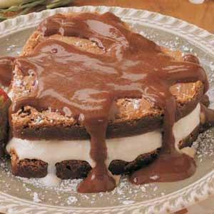 Sweetheart Brownie Sundae Recipe