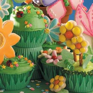 How to Make Fun Spring Cupcakes