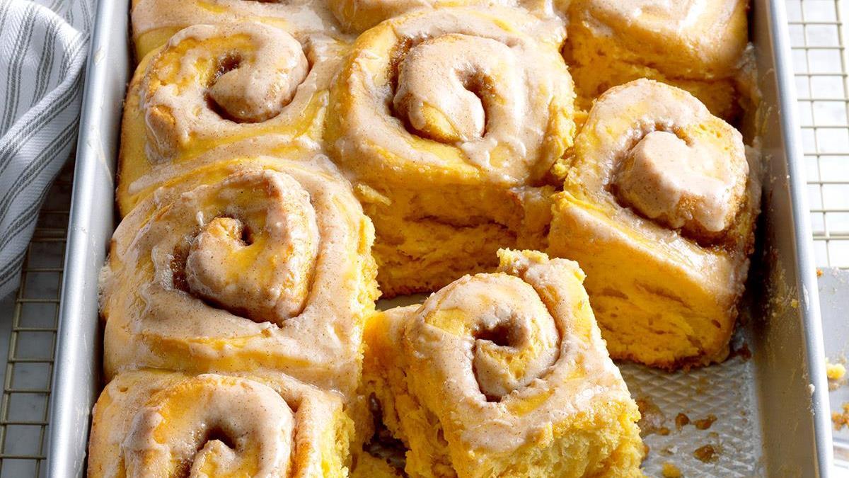 recipe: ooey-gooey cinnamon buns [16]