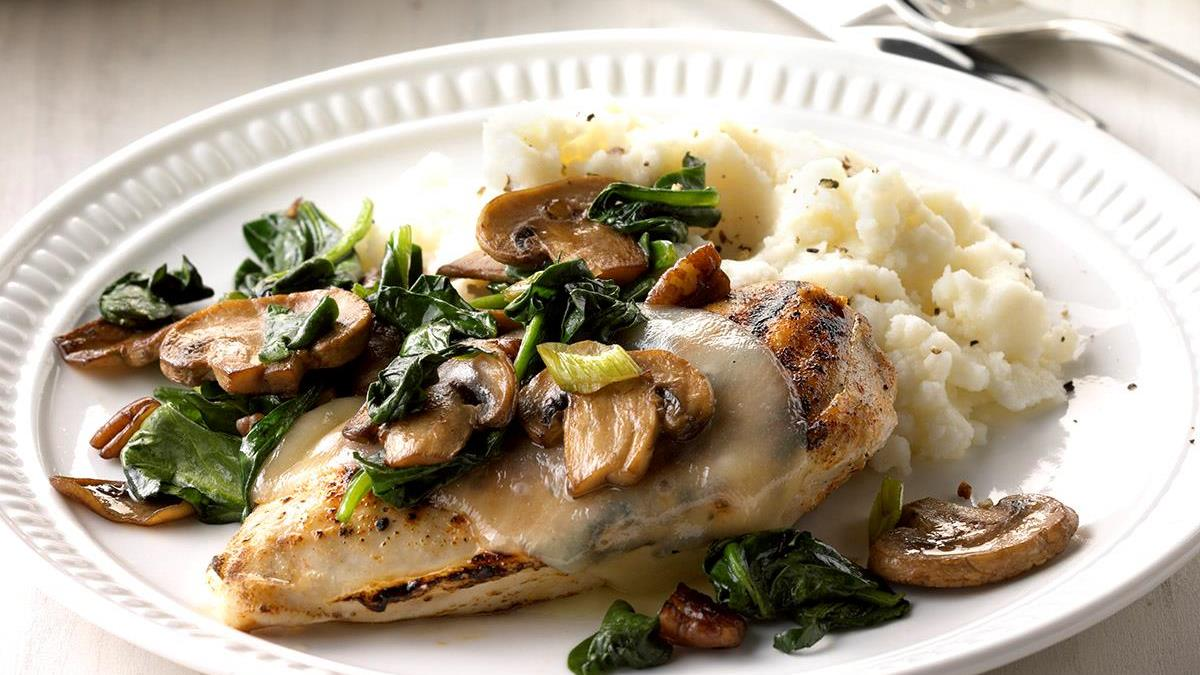 Spinach And Mushroom Smothered Chicken Recipe How To Make It Taste Of Home
