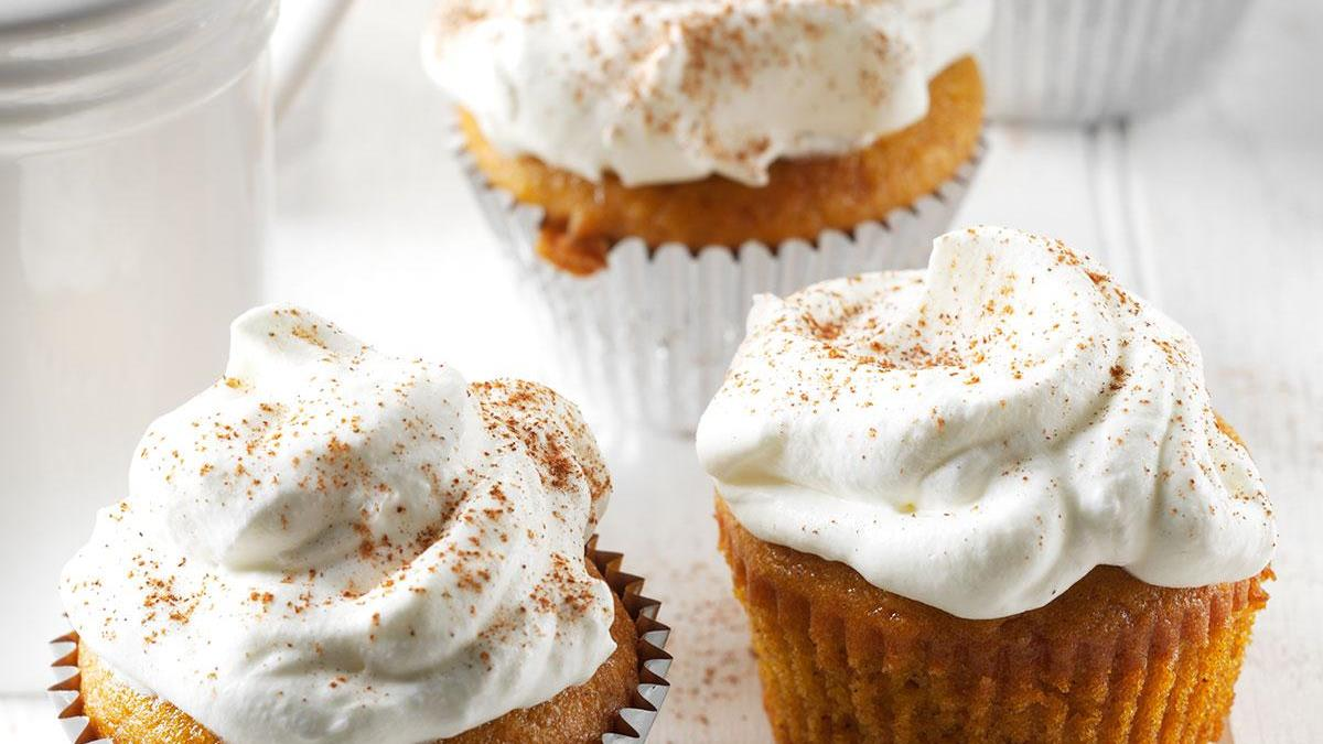 Pumpkin Pie Cupcakes with Whipped Cream | Taste of Home