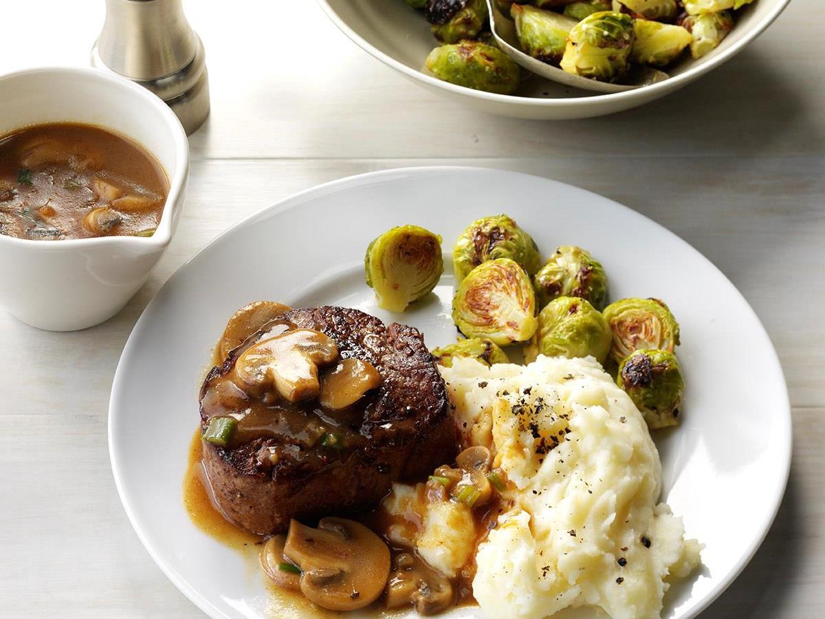 beef tenderloin in mushroom sauce - Easy Valentines Dinner