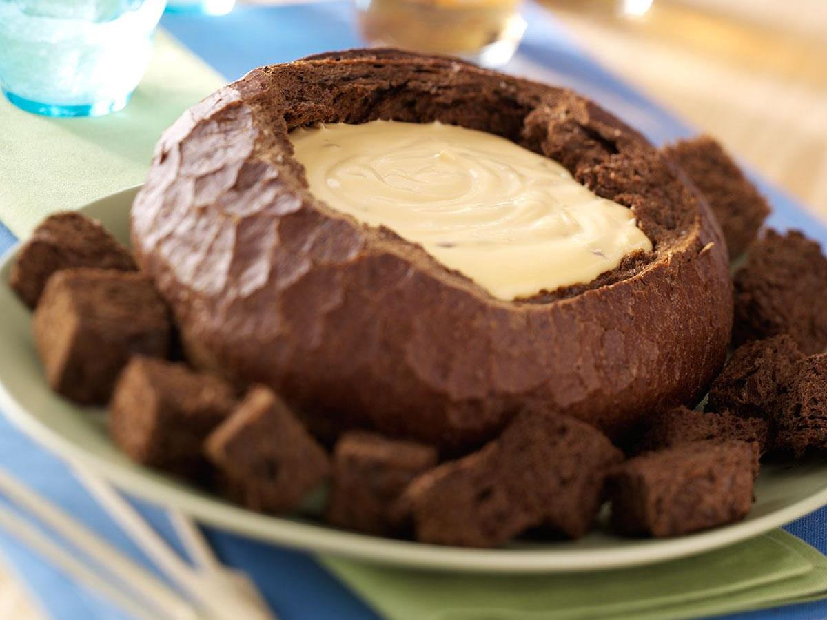 Beer cheese in a bread bowl recipe taste of home forumfinder Gallery