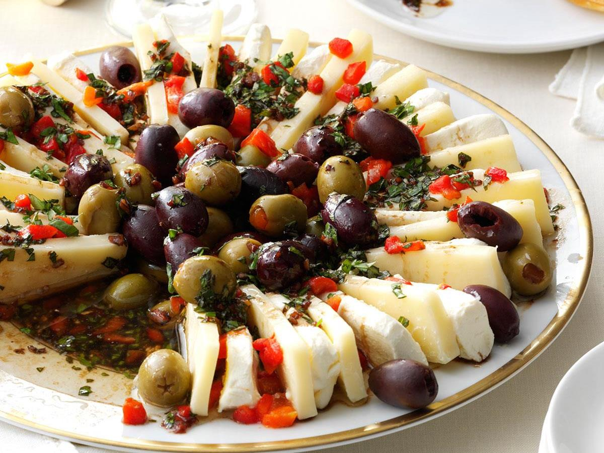 Marinated Olive Cheese Ring